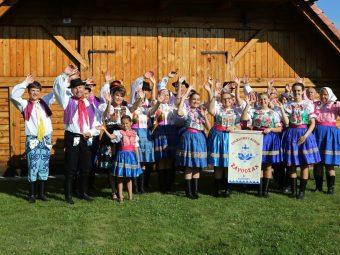 Aj malá obec dokáže veľa – Závod privítal Slovenský deň kroja